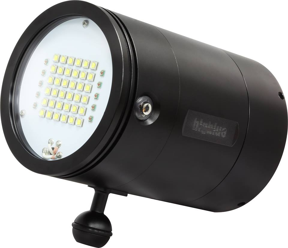 15000 lumens video light by bigblue video lights